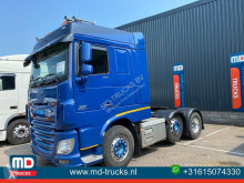 Cabeza tractora DAF XF 106 accidentada
