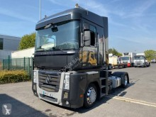 Used low bed tractor unit Renault Magnum 520 DXI