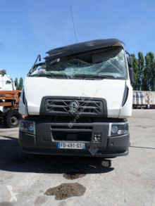 Renault Gamme C 430 tractor unit damaged