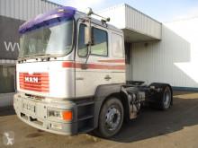 Tracteur MAN F2000 19.414
