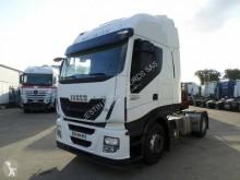 Cabeza tractora Iveco Stralis 460 Hi-Way accidentada