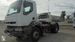 Traktor Renault Kerax 385