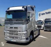 Volvo tractor unit FH13 460