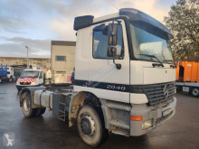 Tracteur Mercedes 2040 AS