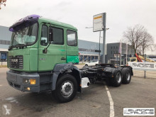 MAN tractor unit 26.464 Steel/Air - Hub red - 6 cyl - Mech p