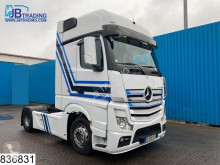 Mercedes Actros 1845 tractor unit damaged