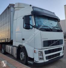 Volvo tractor unit FH13 440