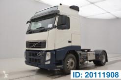 Trekker Volvo FH13 tweedehands gevaarlijke stoffen / vervoer gevaarlijke stoffen
