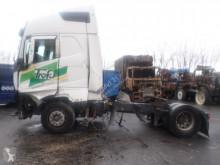 Cabeza tractora Volvo FH 500 accidentada