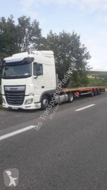 DAF low bed tractor unit XF 106