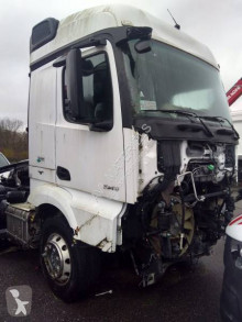 Mercedes Actros 1843 tractor unit damaged