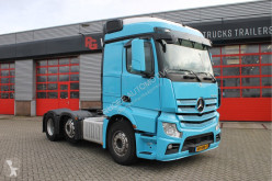Mercedes tractor unit LS
