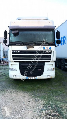 Cabeza tractora DAF XF 410 usada