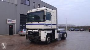 Cabeza tractora Renault Magnum 420