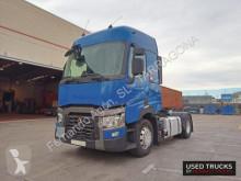 Tahač Renault Trucks T nebezpečné látky / adr použitý