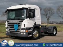 Cabeza tractora productos peligrosos / ADR Scania P 450