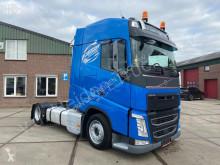 Cap tractor Volvo FH 500