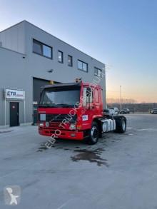Cabeza tractora Volvo FL10