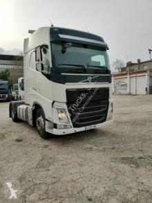 Cabeza tractora productos peligrosos / ADR Volvo FH13 460