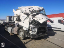 Cabeza tractora Renault T-Series 520 T4X2 E6 accidentada