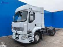 Renault Premium 450 tractor unit damaged