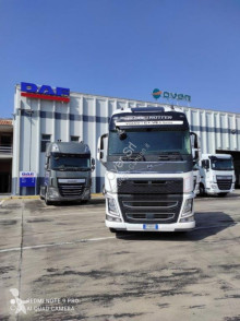 Cap tractor Volvo FH second-hand