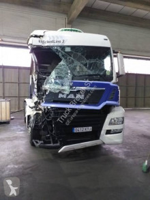 Cap tractor MAN TGX 18.460 XLX accidentată