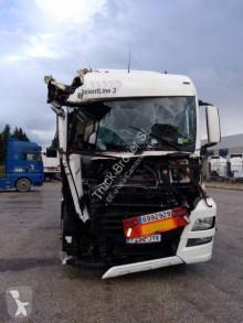 Cabeza tractora MAN TGX 18.500 accidentada