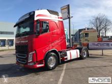 Volvo tractor unit FH 460