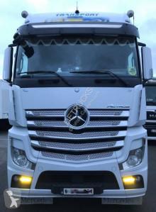 Nyergesvontató Mercedes Actros használt