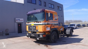 Тягач MAN 19.402 (MANUAL PUMP / / 6 CYLINDER ENGINE WITH ZF-GEARBOX) б/у