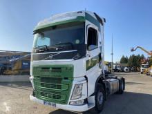 Cabeza tractora Volvo FH 460 accidentada