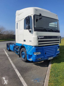DAF low bed tractor unit XF460
