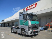 Mercedes Benz tractor unit used