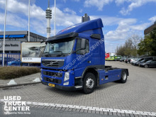 Volvo tractor unit FM 330