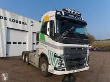 Traktor Volvo FH16 750