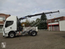 Cabeza tractora Iveco SZM 460 mit HMF Kran 4x2 usada
