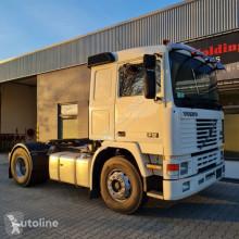 Tracteur Volvo F12-400 F12 34 4x2 occasion