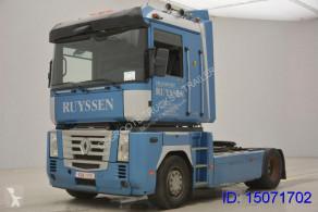 Renault tractor unit Magnum 460