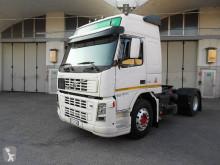 Trattore Volvo FM 450 Prodotti pericolosi / adr usato