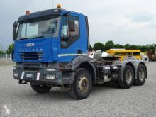 Ciągnik siodłowy konwój specjalny Iveco Trakker AT 720 T 44