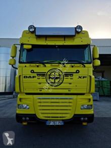 Tahač DAF XF105 460