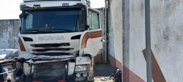 Tracteur Scania R 440 accidenté