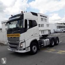 Cabeza tractora Volvo FH13 500 convoy excepcional usada