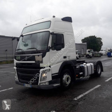 Cabeza tractora productos peligrosos / ADR Volvo FM 500