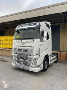 Tahač Volvo FH 500 nebezpečné látky / adr použitý