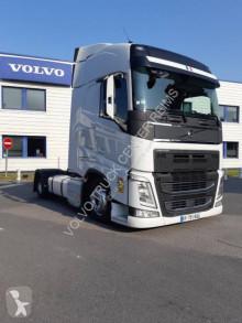 Влекач с ниска платформа Volvo FH 500 Globetrotter
