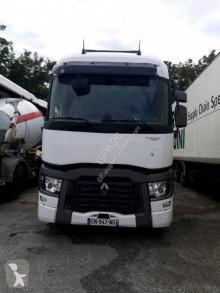Cabeza tractora Renault Midlum 180 accidentada