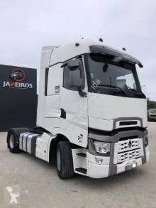 Renault T520 High cab tractor unit used