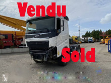 Volvo FH 480 Globetrotter XL tractor unit damaged